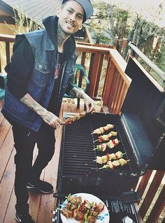 Mike Fuentes
