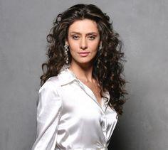 Maria Fernanda Candido