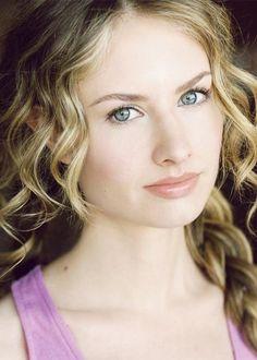 Caitlin Thompson