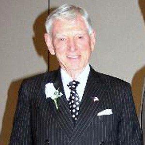 David H Murdock
