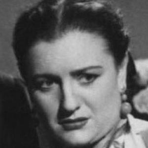 Nelly Mazloum