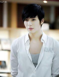 No Min-woo