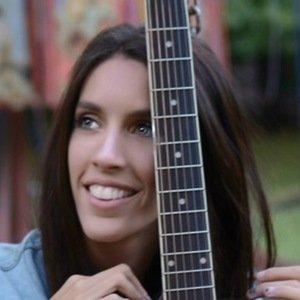 Angie Cadenas